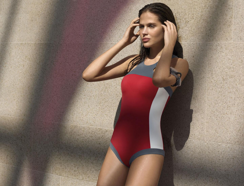 Hana Nitsche – Calzedonia Swimwear Spring-Summer 2009   SwimSuit ...